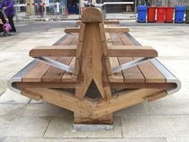 Public bench / contemporary / in wood / double-sided