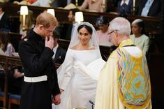 Meghan Markle and Prince Harry are now The Duke and Duchess of Sussex! The couple tied the knot on Saturday at Prince George's Chapel in Windsor Castle before greeting thousands of well-wishers during a carriage ride through Windsor. Royal Wedding Harry, Prince Harry Wedding, Harry And Meghan Wedding, Royal Weddings, Lady Diana, Prince Harry Et Meghan, Meghan Markle Prince Harry, Princess Meghan, Meghan Markle Wedding Pictures