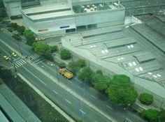 Avenida Las Vegas de norte a sur desde el edificio  Bancolombia. Lunes 23 de abril, día sin carro.
