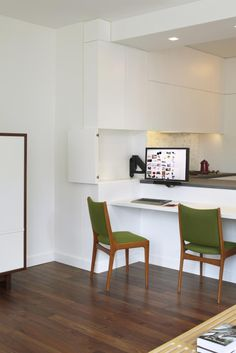 http://simpledesks.net/post/27114200295/simplicity-by-storage-the-breakfast-bar-doubles