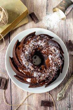 čokoládová bábovka s kokosovou plnkou Doughnut, Pudding, Sweets, Heavenly, Ethnic Recipes, Desserts, Food, Tailgate Desserts, Deserts
