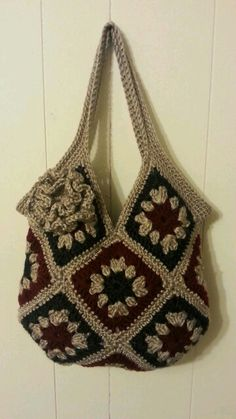 "13 square granny square Handbag Purse [ ""Free PatternI used. : 13 square granny square Handbag Purse [ ""Free PatternI used… Granny Square Bag, Granny Square Crochet Pattern, Crochet Squares, Crochet Granny, Crochet Patterns, Granny Squares, Knitting Patterns, Bag Crochet, Crochet Handbags"