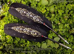 RAVEN ELEGANCE Totem Feather Quill Pen by EnchantedQuills on Etsy: