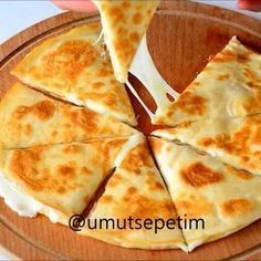 Good morning minutes to the delicious lavash pie recipe. Sunday Breakfast, Breakfast Items, Breakfast Recipes, Snack Recipes, Cooking Recipes, Cooking Food, Iftar, Falafels, Turkish Recipes