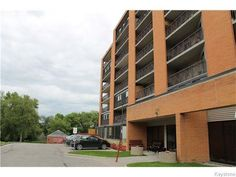 MOVE IN READY !! Fantastic opportunity to own a spacious 1 bedroom condo in a steel and concrete building. This 5th floor condo offers an open concept kitchen, dining and living room area.
