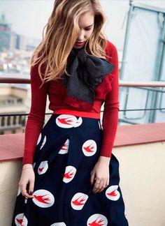 Comprar falda navy marinera Philippa and Co - Falda midi navy marinera con estampados de pajaros blanco y rojos