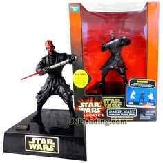 Star Wars Year 1999 Episode 1 The Phantom Menace Series 10 Inch Tall Electronic Figure - DARTH MAUL INTERACTIVE TALKING BANK with Combat Actions and Original Voice Sound FX Star Wars Unleashed, Starwars Toys, Star Wars Merchandise, Epic Movie, The Phantom Menace, Star Wars Action Figures, Darth Maul, Star Wars Collection, Obi Wan