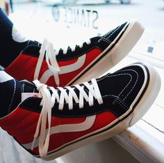 Vans Anaheim Factory is back with another OG shoe for those who like something a little more particular. The Vans 38 DX (Anaheim) OG Black/OG Red features a snazzy black/red colour combo with the classic Vans side stripe in white. Vans Sk8 Hi Black, Sk8 Hi Vans, Red Vans, Snicker Shoes, Skateboard Fashion, Mens Vans Shoes, Vanz, Vans Style, Football Shoes