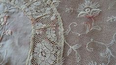 ANTIQUE-VTG-NORMANDY-TAMBOUR-FRENCh-NET-LACE-COVERLET-Bedspread-victorian
