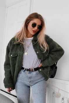 150 Fall Outfits to Shop Now Vol. 4 – Page 2 of 3 150 Fall Outfits to Shop Now Vol. 4 / 163 2018 The post 150 Fall Outfits to Shop Now Vol. 4 – Page 2 of 3 appeared first on Fashion Ideas - Fashion Trends. Winter Fashion Outfits, Fall Outfits, Autumn Fashion, Trendy Winter Outfits, Green Outfits, Formal Outfits, Spring Fashion, Hipster Summer Outfits, Fashion Clothes
