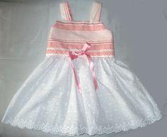Robe à bretelles  en coton rose et broderie anglaise ,