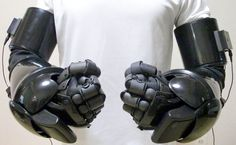 Robot hands Image brought to you courtesy of www.robotradio.com | Cosmic Streams…