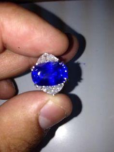 Natural Kashmir Sapphire Ring - Gubelin - May 2017 Blue Sapphire Necklace, Sapphire Jewelry, Sapphire Gemstone, Pink Sapphire, Star Sapphire, Unusual Jewelry, Modern Jewelry, Antique Jewelry, Vintage Jewelry