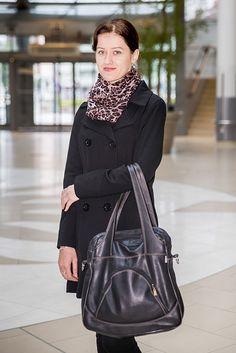 Mladá dáma z Kysúc, ktorá momentálne pracuje a žije v Bratislave, bola pozvaná do nášho projektu už v prvom polroku, avšak pracovné povinnosti jej nedovolili využiť túto možnosť. Rozhodli sme sa, netradične, dať jej druhú šancu, a pozvali sme ju do Polusu opäť, tentokrát na prehliadku jesennej módy.