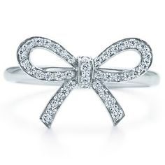 Tiffany & Co Bow ring with diamonds in platinum. $1.500