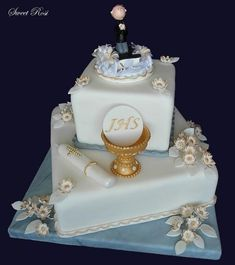 Boys First Communion Cakes, Boy Communion Cake, First Communion Decorations, Christening Cake Girls, Bible Cake, Religious Cakes, Confirmation Cakes, Fantasy Cake, Cakes For Boys