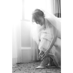 〜Hawaii wedding photo8✨〜 * * * my braidal shoes👠✨ * * * どうしてもこの一目惚れしたLEATHER LACEUP MULEが履きたくて💖 * * 発売が出発のギリギリだったので問い合わせしたのですが、本当にいい対応してくれてますます大好きなブランドになりました♡ この靴を履けて嬉しかったな👠✨ ありがとうございました♡ * * #wedding#weddingphoto#hawaii#bestbraidal#hawaiiwedding#happy#love#sunset#justmarried#weddingshoes#amerivintage #ハワイ#ウェディング#ハワイウェディング#ベストブライダル#ブライダルシューズ#レースアップ#ウェディングフォト#ウェディングニュース#ウェディングレポ#花嫁#プレ花嫁#laceup #summer#sun#marry#marry花嫁#連投#marry本指示書用写真#お支度ショット