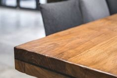 Remove scratches from wooden furniture: These home remedies help - Kitchens Remodel Ideas Housekeeping Tips, Wooden Furniture, Butcher Block Cutting Board, Home Remedies, Kitchen Remodel, Life Hacks, Woodworking, How To Remove, Diy