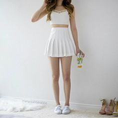 love this all white look <3