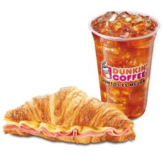 Croissant jamón y queso con refresco | Dunkin' Coffee