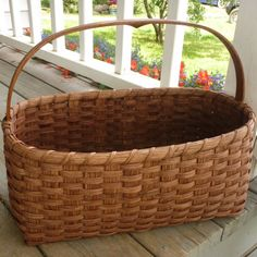 Gone are Shaker villages of the but their simplicity of life lives on in their craftsmanship. The Shaker Market Basket displays this beauty. Old Baskets, Vintage Baskets, Wicker Baskets, Vintage Vignettes, Woven Baskets, Vintage Decor, Wooden Crates Gifts, Primitive Country Homes, Primitive Bedroom