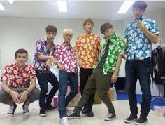 Ladies and Gentlemen... I present EXO M