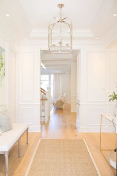 interior home design ideas White Rooms, White Walls, White Hallway Paint, Foyer Decorating, Interior Decorating, White Houses, White Decor, Diy Home Decor, New Homes