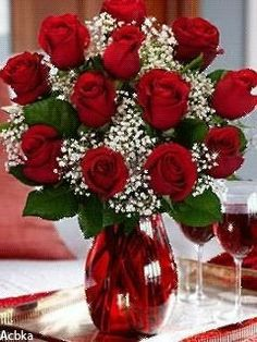 A dozen red roses . Valentine Flower Arrangements, Rose Arrangements, Beautiful Rose Flowers, Beautiful Flowers, Beautiful Pictures, Dozen Red Roses, Romantic Gifts For Him, Flowers Gif, Cemetery Flowers