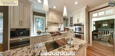 Wingfoot Kitchen  http://www.newviewphotosnc.com/ffc_pano_files/DRWingfoot/index.html