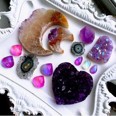 Image about witch in Stones and crystals by Silly Boy Crystals Minerals, Rocks And Minerals, Crystals And Gemstones, Stones And Crystals, Bohemian Pictures, Different Types Of Rocks, Crystal Aesthetic, Grilling Gifts, Cool Rocks