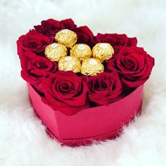 Save money by sending flowers directly with a Local Florist. Diy Flower Boxes, Flower Bouquet Diy, Flower Box Gift, Red Rose Bouquet, Gift Bouquet, Candy Bouquet, Valentine Gift Baskets, Valentines Gift Box, Valentine Desserts