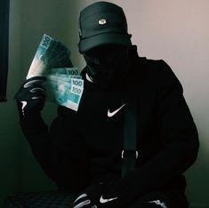 Photo by Nike Boyz BR 🔥 on March Image may contain: 1 person Nike Wallpaper, Boys Wallpaper, Hip Hop Playlist, Estilo Hip Hop, Black Aesthetic Wallpaper, Men Tumblr, Fly Guy, Naruto Shippuden Sasuke, Mode Streetwear