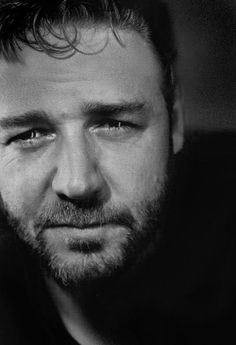 Russell Crowe... might make an exception for this one... and not put him in the EX category ! =)