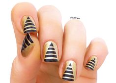 Pyramid Nails egyptian nailart for passover
