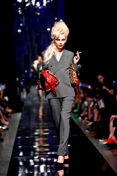 #JeanPaulGaultier continued to channel #AmyWinehouse at the Beijing Fashion Week. We ♥ this edgy tribute!