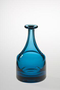 Flaske Flaske, Still Life Art, Bottle Art, Wine Decanter, Norway, Barware, Glass Art, Bottles, Wanderlust