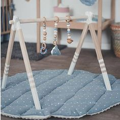 SET girl pink baby gym - Wooden play gym and silicon wooden teething toys - GYM with hangers and baby gym toys Set includes: - Baby gym stand; - Set of three pieces hanging toys, which are perfect for teething and playing; GYM stand. Light but strong. Wooden stand is painted in soft