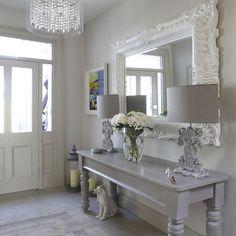 Wonderful maison-et-decoration-shabby-chic-style-intérieur-design-idées-entrance . Decor, House Design, Chic Living Room, Interior, Chic Interior Design, Shabby Chic Interiors, House Interior, Modern Country Style, Shabby Chic Furniture