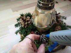 Vyrobte si věnec na dušičky trochu jinak   Prima nápady Ikebana, Floral Arrangements, Flower Arrangement, Flower Arrangements, Garland
