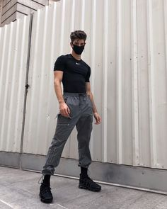 Find images and videos about manu rios on We Heart It - the app to get lost in what you love. Crop Top Outfits, Boy Outfits, Outfit Hombre Casual, Boy Fashion, Korean Fashion, Modern Fashion Outfits, Studio Photography Poses, Aesthetic Clothes, Types Of Fashion Styles