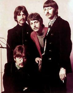 The Beatles – 'Sgt Pepper's Lonely Hearts Club Band' Beatles Love, Les Beatles, Beatles Photos, Beatles Band, Liverpool, Beatles Sgt Pepper, Kinds Of Dance, Lonely Heart, The Fab Four