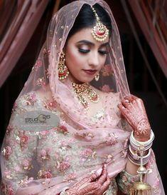 bridal sets & bridesmaid jewelry sets – a complete bridal look Indian Bridesmaid Dresses, Pakistani Bridal Dresses, Bridesmaid Jewelry Sets, Indian Dresses, Indian Clothes, Indian Outfits, Indian Bridal Fashion, Indian Wedding Jewelry, Bridal Jewelry