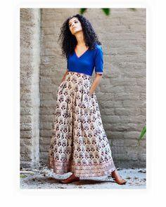 Royal blue and beige paisley print maxi - KharaKapas Indian Fashion Dresses, Indian Designer Outfits, Indian Outfits, Designer Dresses, Fashion Outfits, Indian Look, Indian Ethnic Wear, Indian Couture, Indian Attire