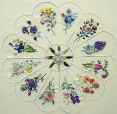 Dresden Plate Quilt - Quilting For Beginners - great idea for an embroidery design to create