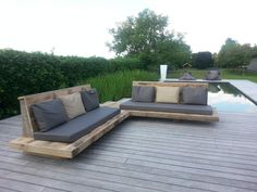 Pin by debbie butler on garden furniture in 2019 деревенская Outside Furniture, Diy Outdoor Furniture, Outdoor Garden Furniture, Outdoor Decor, Outdoor Couch, Outdoor Lounge, Outdoor Spaces, Outdoor Living, Deck Seating