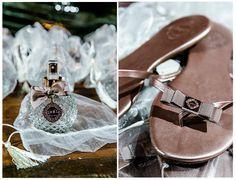 Recordação | Lembrancinha para convidados | Detalhes de casamento | Lembranças | Lembrancinhas | Lembrancinha de casamento | Inesquecível Casamento | Presente para os convidados | Wedding Gifts | Chinelo personalizado | Sandália personalizada | Perfume de presente