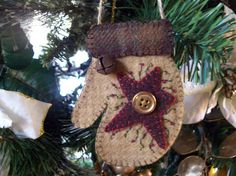 $15  Rustic Country Felt Mitten with Star Christmas Ornament