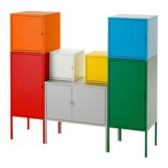 LIXHULT Combinación almacenaje IKEA Una combinación colorida y completa que permite guardar objetos grandes y pequeños.