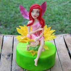 Fairy sugar - cake by Nili Limor Fairy Cakes, Sugar Cake, Fondant Figures, Pasta, Cake Toppers, Pixie, Disney Princess, Doll Cakes, Fairies