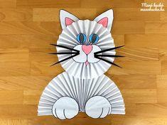 Cicás dekoráció papírból – Ablakra vagy ajtóra Paper Art, Paper Crafts, Paper Fashion, Paper Cutting, Sonic The Hedgehog, Book Art, Origami, Crafts For Kids, Recycling